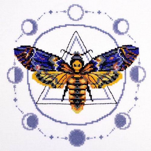 """Набор для вышивки крестом """"Бабочка - мертвая голова"""""""