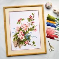 """""""Яблуневий цвіт"""" - Набір для вишивання хрестиком"""